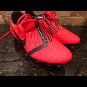 New in box Nike men's venom soccer cleats size 5